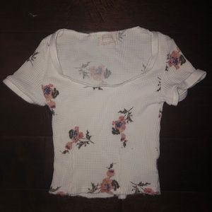 URBAN OUTFITTERS FLORAL PRINT CROP TOP